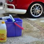 車のシートに飲み物をこぼした時の汚れ落としや洗い方は?
