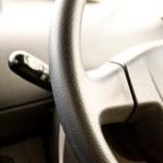 車のエアコンの臭いの原因は?カビ掃除のやりかたと防止法